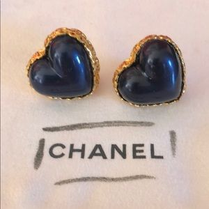 Vintage Chanel Glass Heart Earrings 💙💙